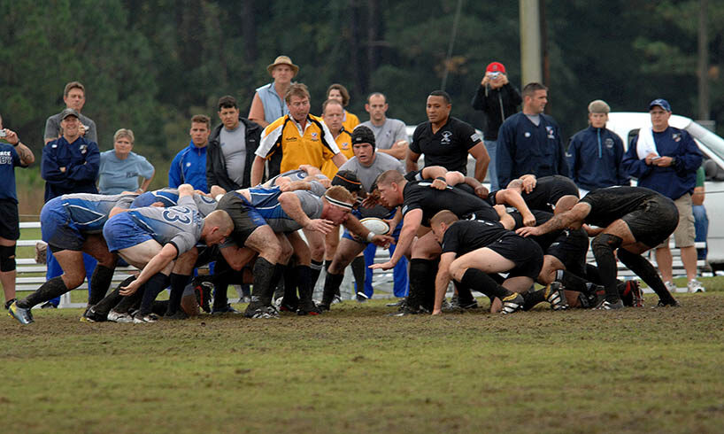 rugby players scrum